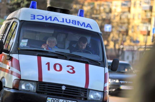 В Ужгороді вантажівка переїхала пенсіонерці ногу